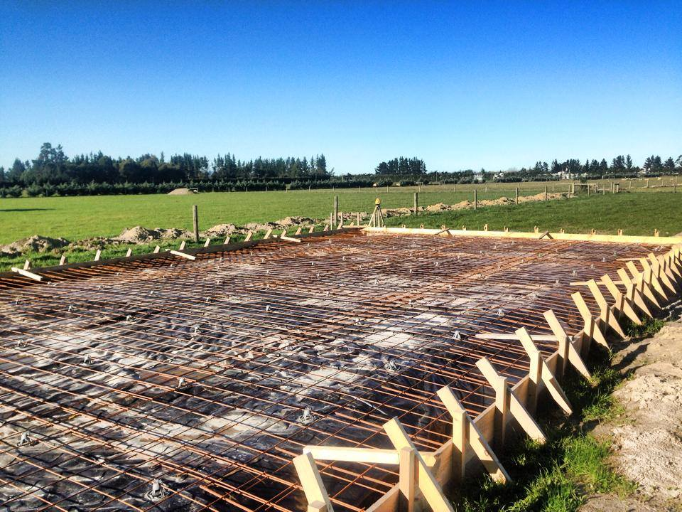 Our team working on a rural steel farming shed in Canterbury