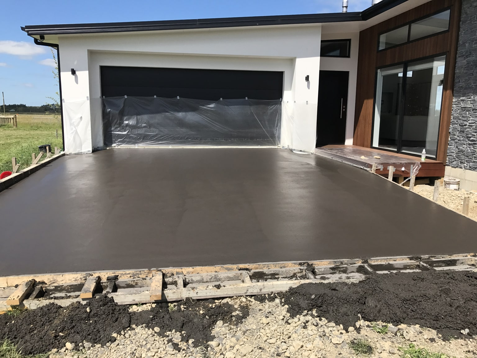 H3 Construction can do your concrete pouring for your next driveway or patio in Canterbury
